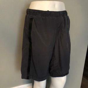 Lululemon Men's shorts Medium